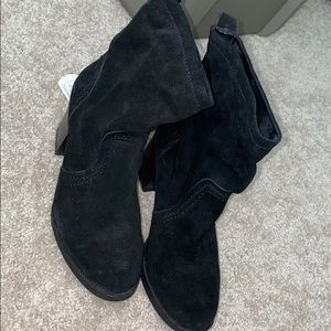 NWT Suede booties